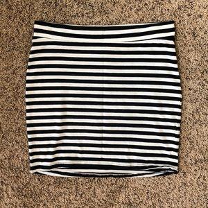 H&M Divided Black and White Stripe Mini Skirt Sz S